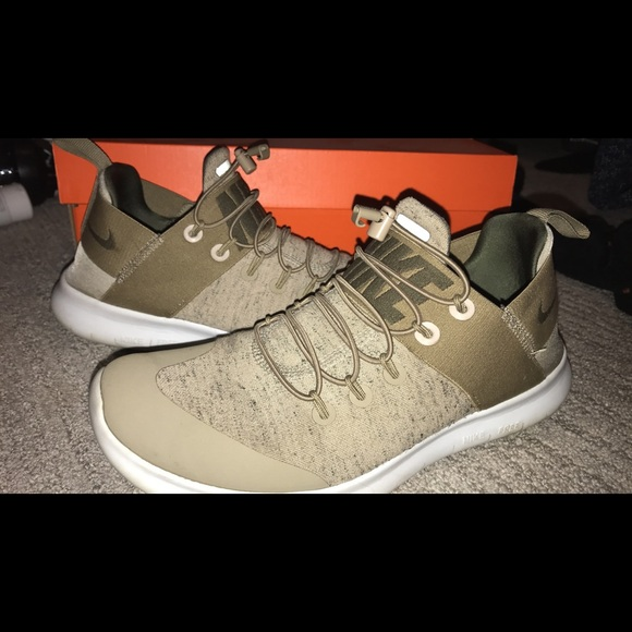 Nike Women's Free RN Commuter 2017 Running Shoes Olive Green
